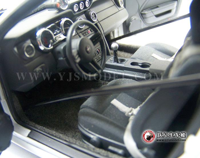 福特野马眼镜蛇2009 autoart